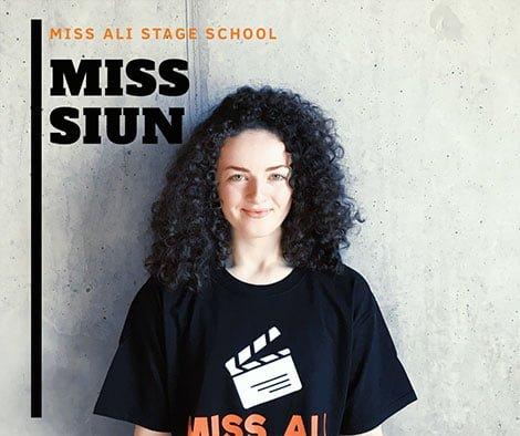 Miss-Siun--Miss-Ali-Stage-School